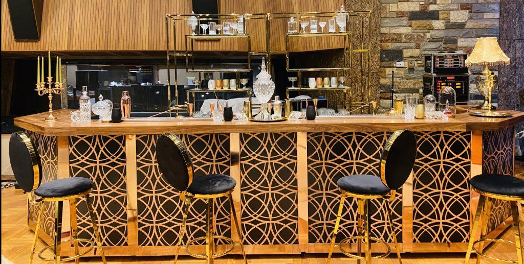 Unique bar rental